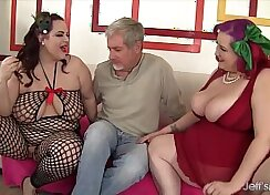 Babes share a cock and then get it inside