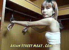 Curvaceous Thai lady wants a sensual lick d bring her Mistress