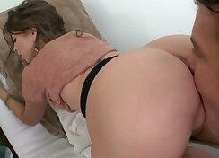Amateur hottie Riley Reid camel toe pussy