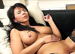 Dick riding mature mom after fisting sex