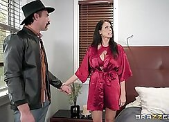 Cheating Milf Shows The Big Tits