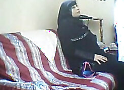 Brawls with Two Arab Sluts Fucked On Sofa