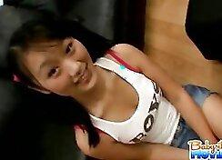 Asian babysitter gele uses her spoon