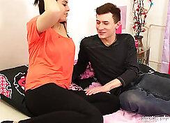 Amateur babe gets seduces by a friend